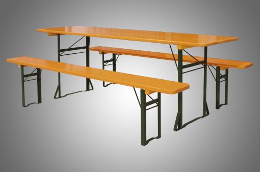 Conjunto de mesa y bancos de madera