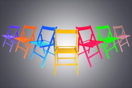 sillas madera de colores