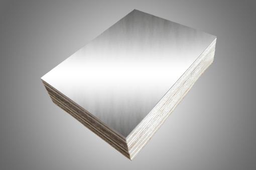 Abedul revestido de láminas de aluminio